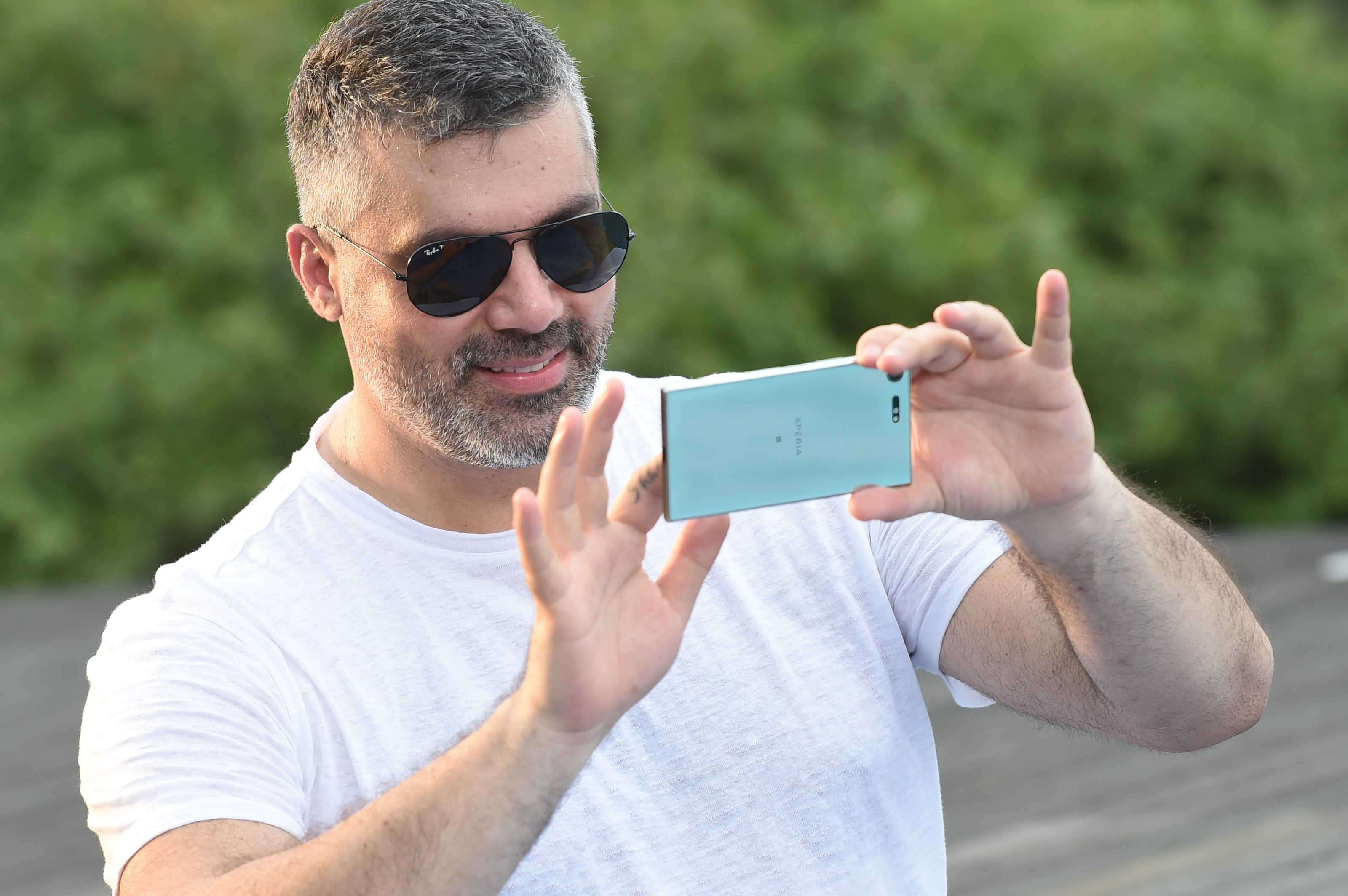 Sony Mobile Xperia Xz Premium Features In Arab Star Fares Karam S New Music Video Arab Motor World