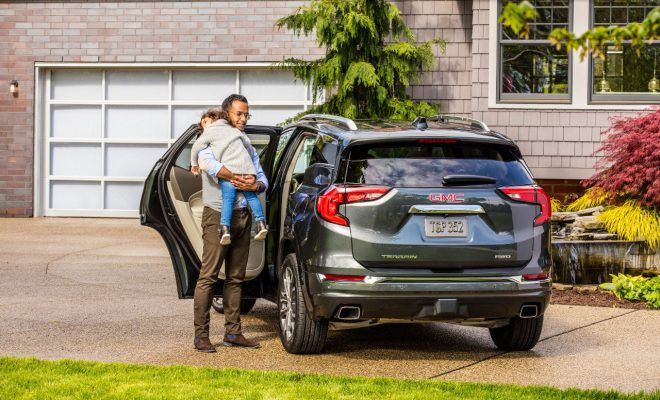 Image-4_Rear-seat-reminder-in-the-all-new-2018-GMC-Terrain