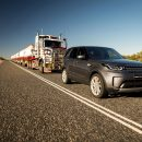 Land-Rover-Discovery-Road-Train-Arab-Motor-World(0)