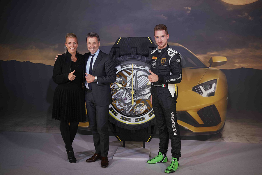 Roger-Dubuis-and-Lamborghini-Arab-Motor-World