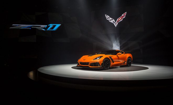 Corvette-ZR-1-World-Premier-2017-2-Arab-Motor-World