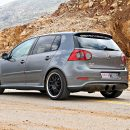 Golf-MK5-R32-Arab-Motor-World-00