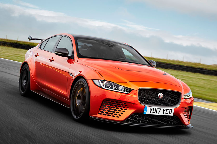 JAGUAR-XE-SV-PROJECT-8-Arab-Motor-World-03