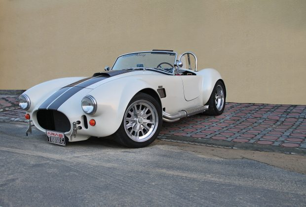 1965-Backdraft-Racing-Shelby-Cobra-Arab-Motor-World-00