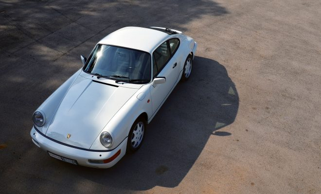 1990-Porsche-911-Carrera-4-Arab-Motor-World-00