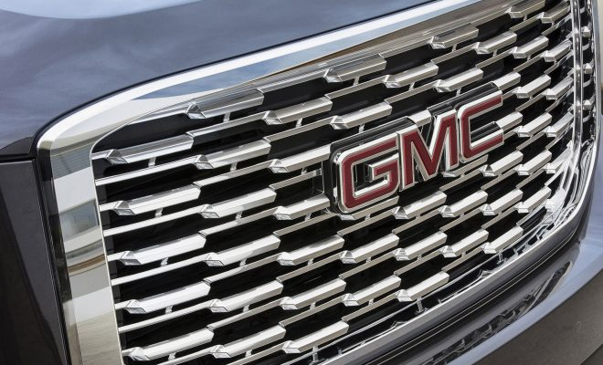 2018-GMC-Yukon-Denali-Grille-Arab-Motor-World