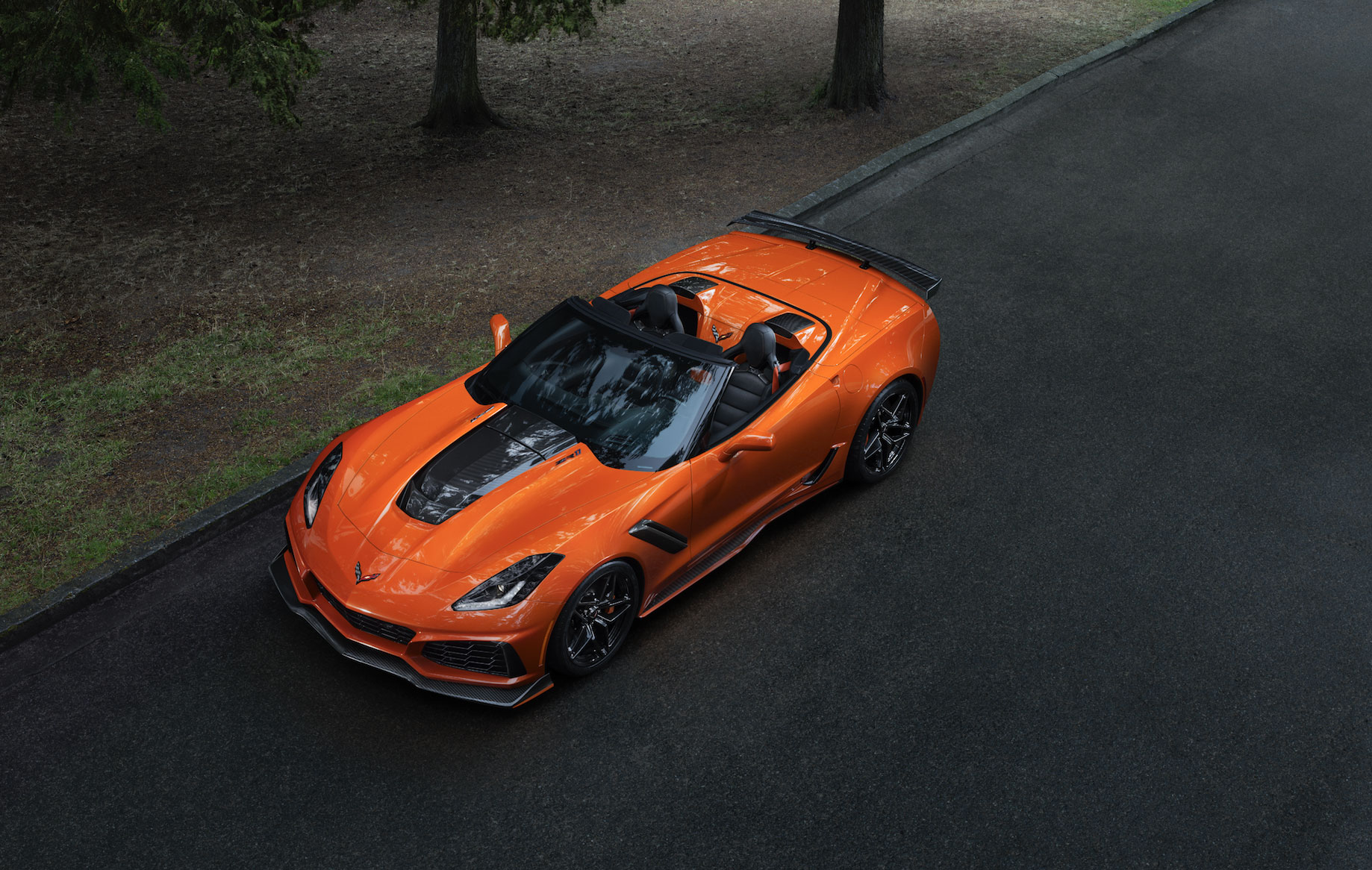 Corvette-ZR1-Convertible-(2)-Arab-Motor-World