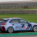 Hyundai-i30-TCR-(2)-Arab-Motor-World