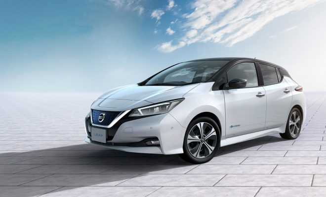Nissan-LEAF-Takes-First-International-Award-Arab-Motor-World-1