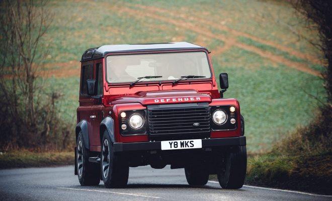 Land_Rover_Defender_V8_Arab-Motor-World-00