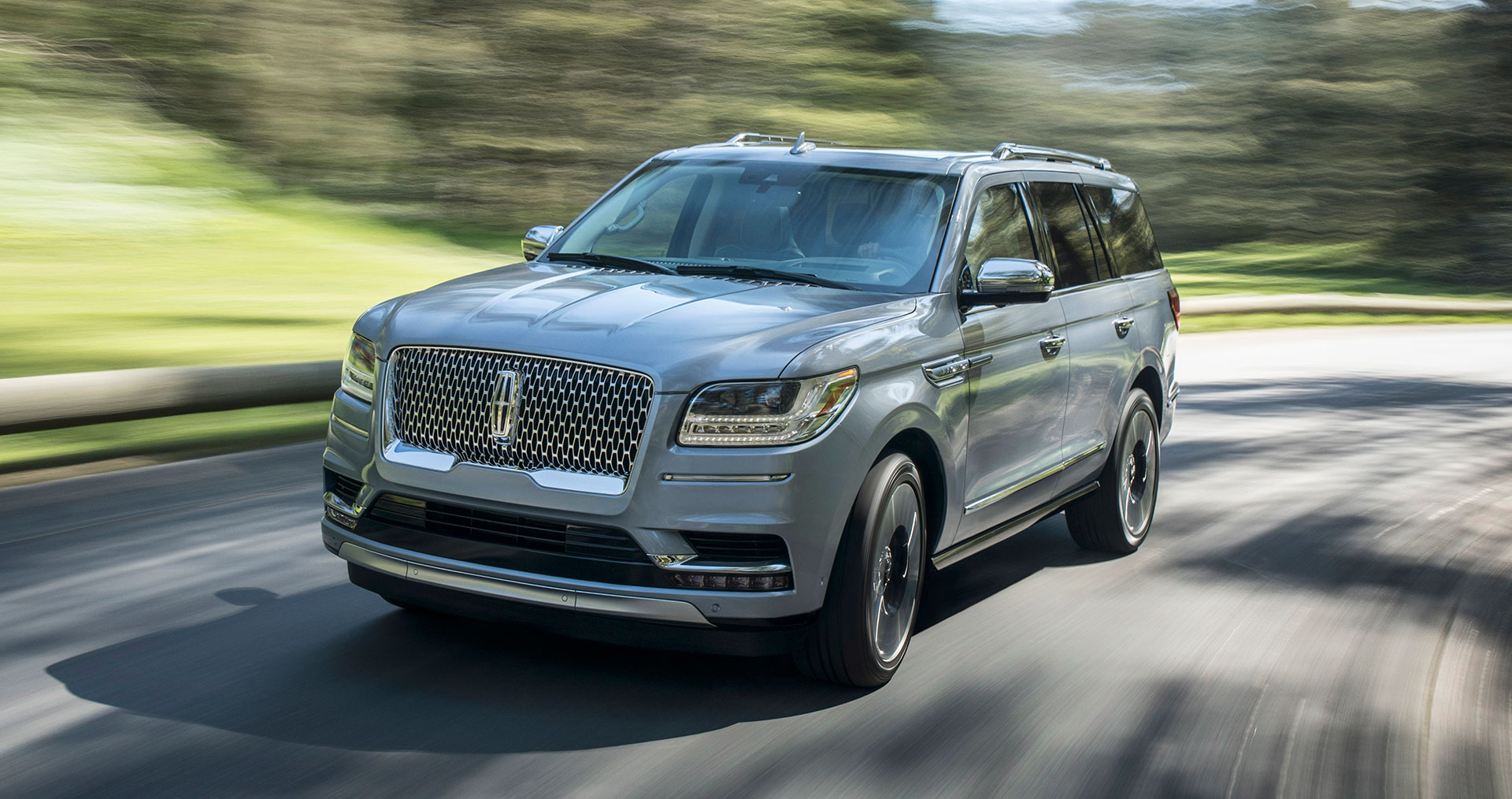 Lincoln-Navigator_Arab-Motor-World
