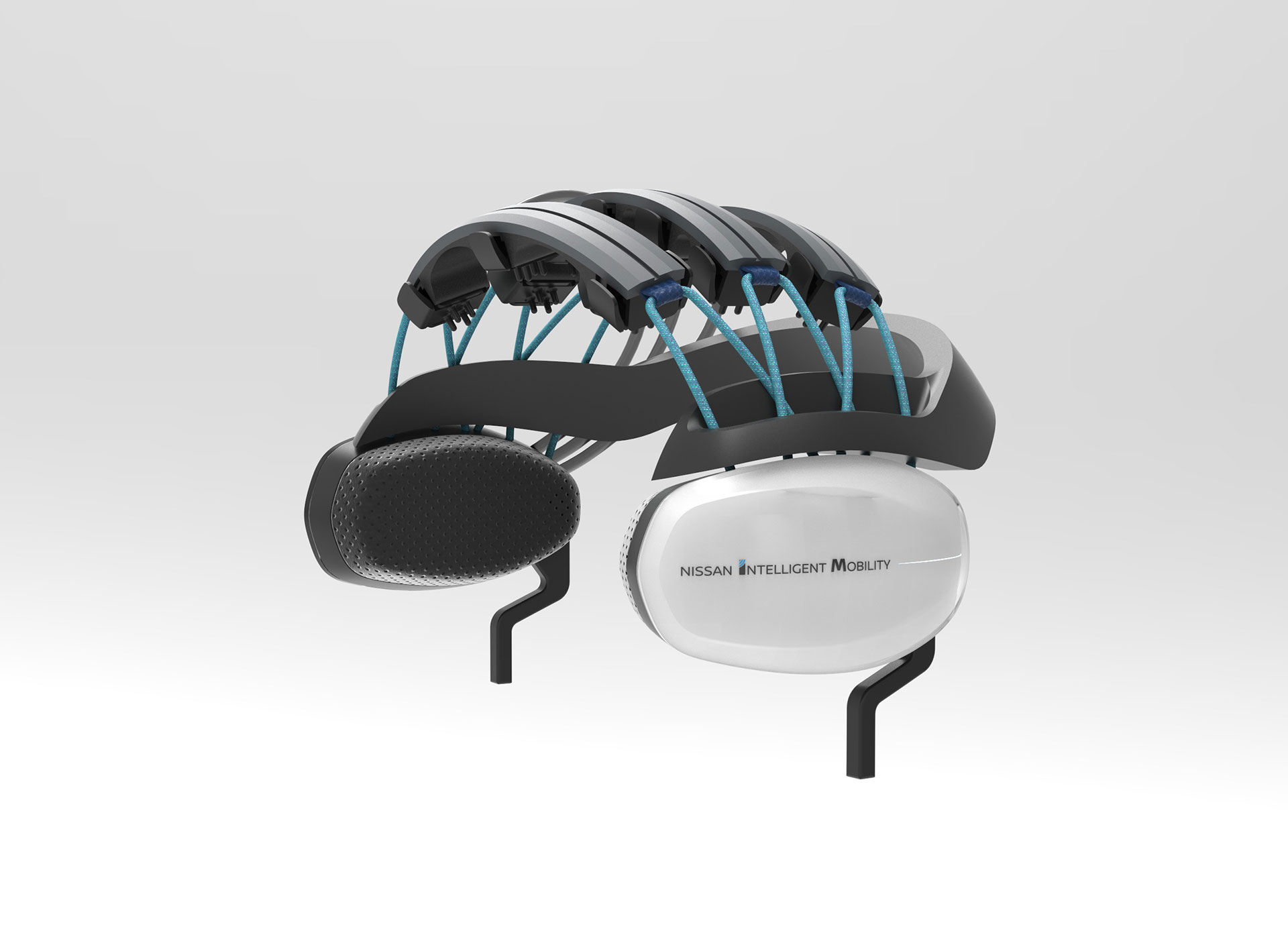 Nissan Brain -to-Vehicle-Technology-Launch-Headset-Arab-Motor-World-01