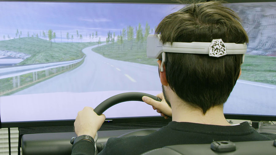 Nissan-Brain-to-Vehicle-Technology-Launch-Headset-Arab-Motor-World-03