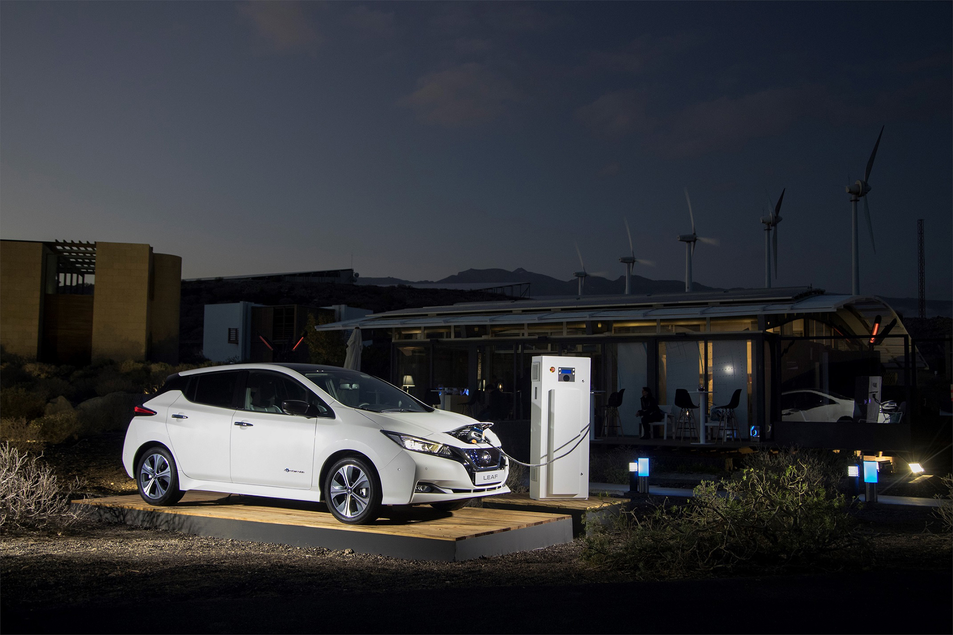 Nissan-Showcases-Electric-Ecosystem-Arab-Motor-World