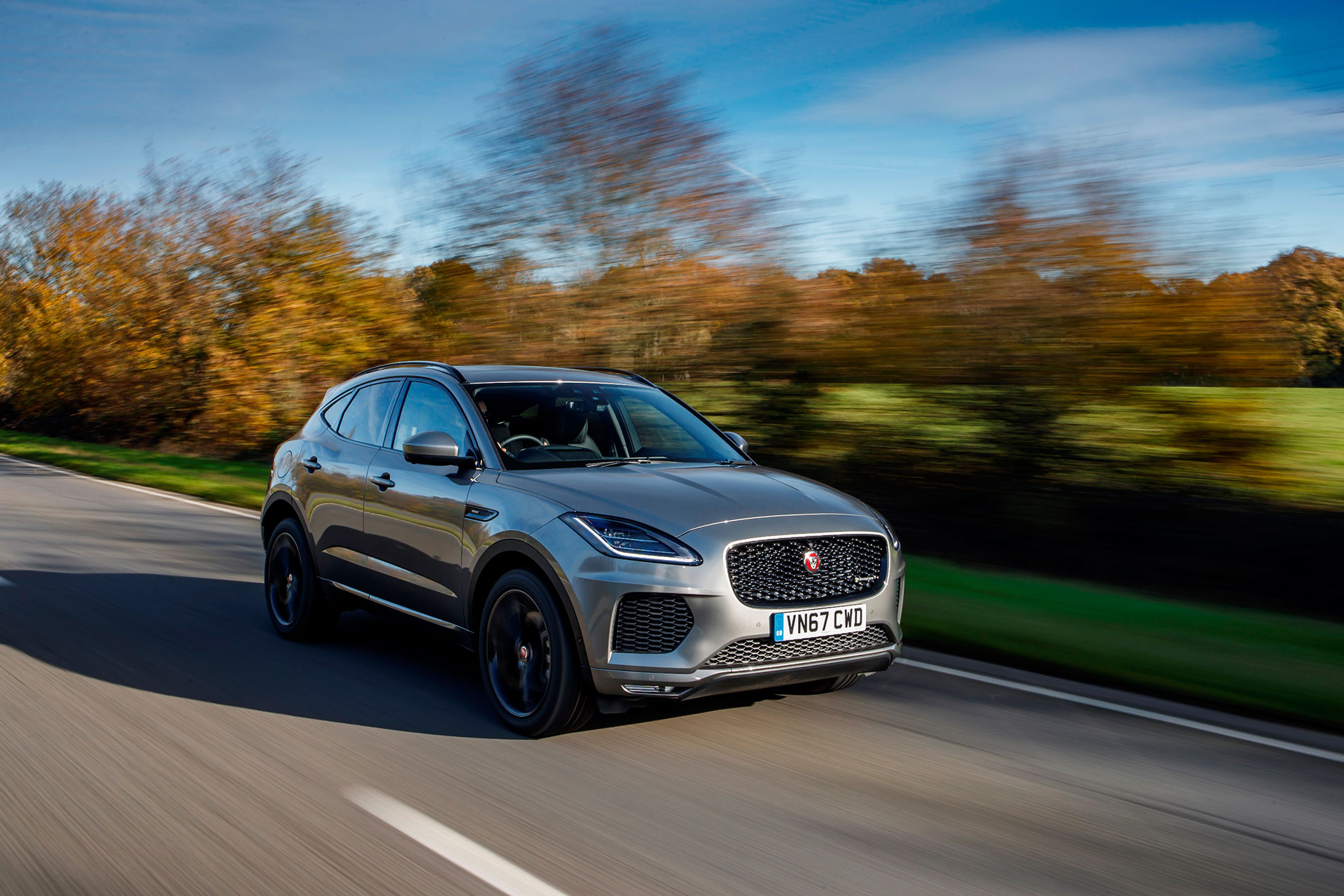 JAGUAR-LAND-ROVER-INGENIUM-PETROL-ENGINE-NAMED-TOP-10-IN-THE-WORLD-Arab-Motor-World