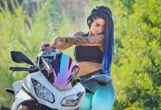 Kay-Jalek-She-Challenges-Arab-Motor-World-00