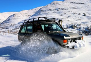 Range-Rover-Classic-OffRoad_Arab-Motor-World-00