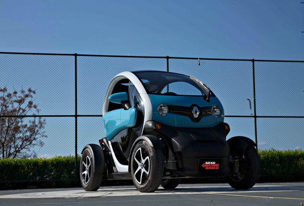 Renault-Twizy-Test-Drive-Arab-Motor-World-00