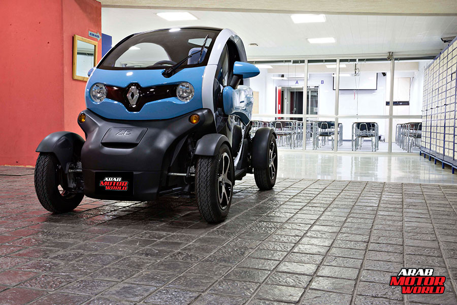 Renault-Twizy-Test-Drive-Arab-Motor-World-16