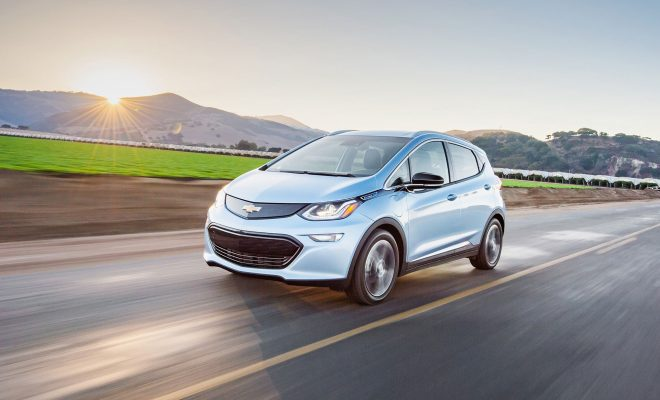 2018-Chevrolet-BoltEV-Arab-Motor-World-01
