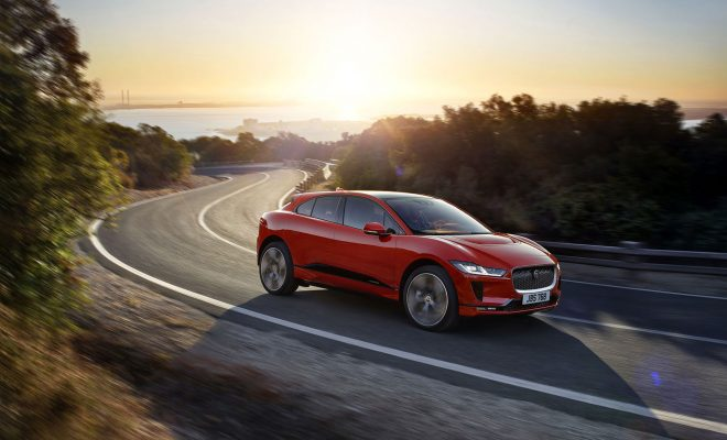 Jaguar-I-PACE-Arab-Motor-World-(2)