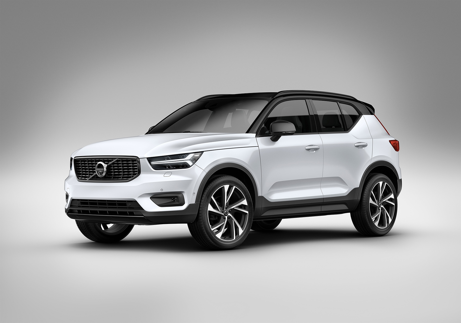 New-Volvo-XC40-Arab-Motor-World