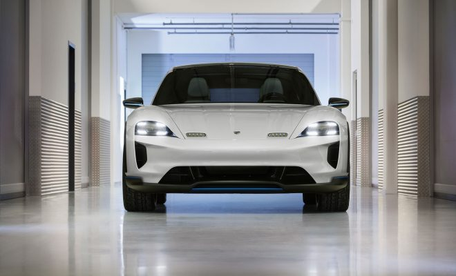 Porsche-Mission-E-Cross-Turismo-Arab-Motor-World-03