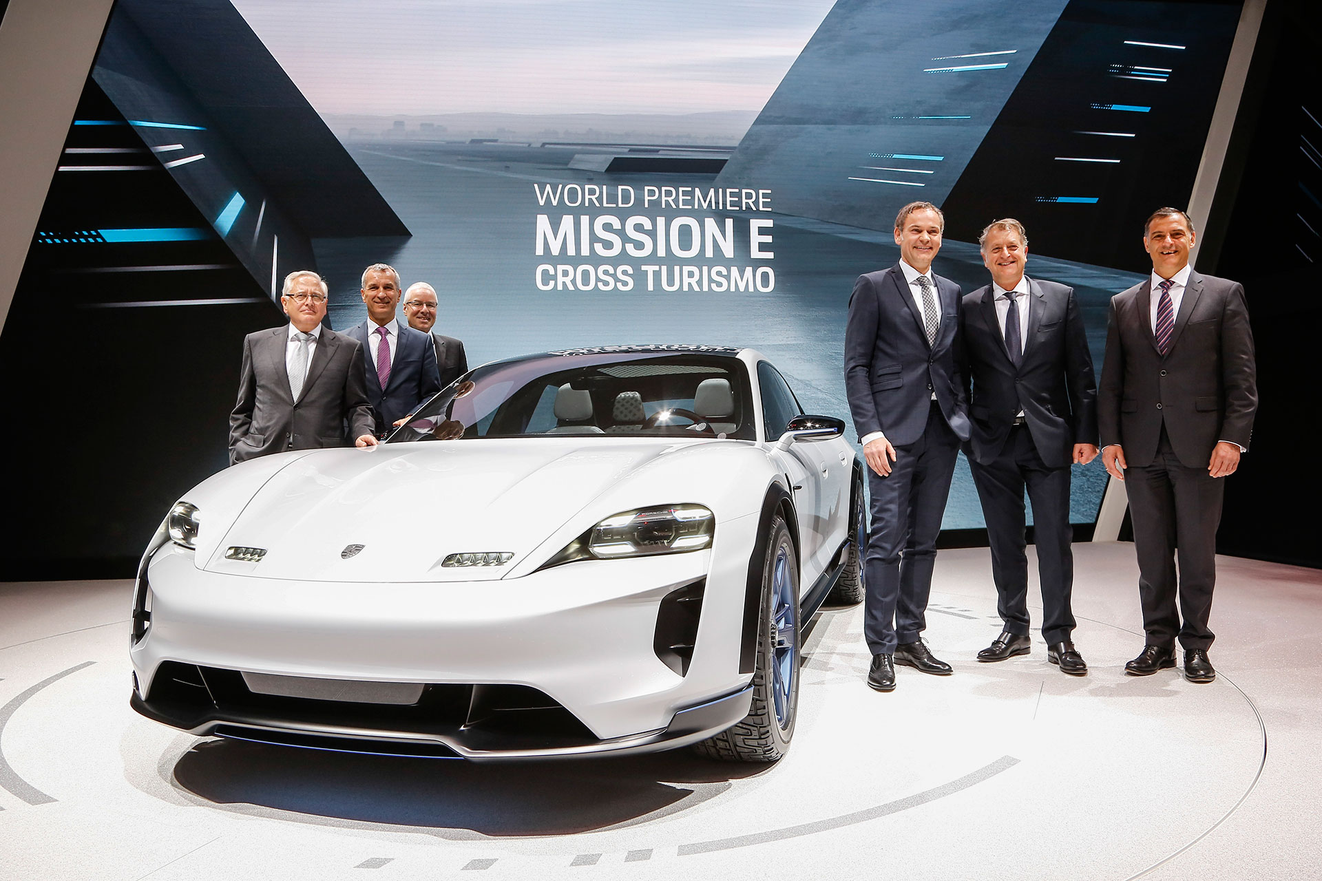Porsche-Mission-E-Cross-Turismo_Arab-Motor-World