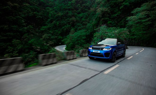 RANGE-ROVER-SPORT-SVR-SETS-TIANMEN-ROAD-RECORD-Arab-Motor-World-(1)