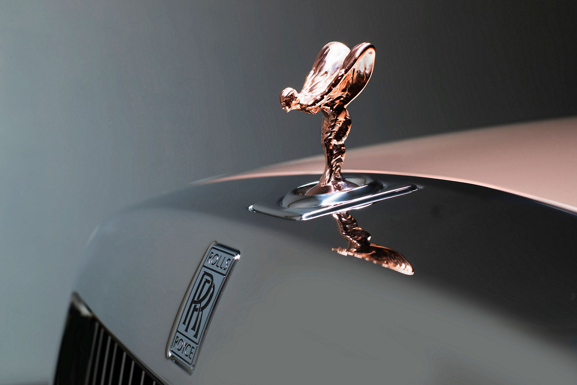 Rolls-Royce-Whispered-Muse-Arab-Motor-World
