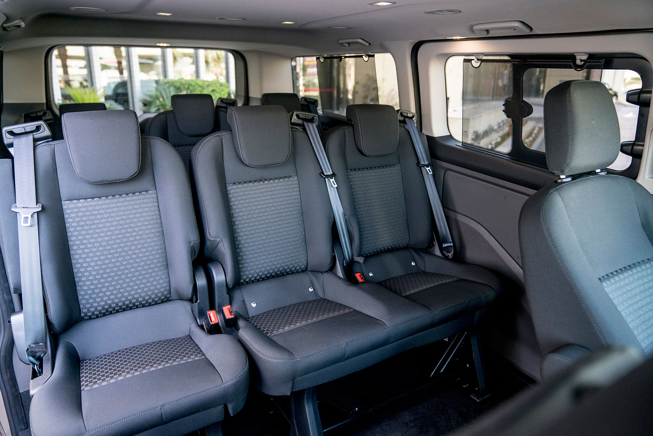 stylish new ford tourneo custom people mover to make. Black Bedroom Furniture Sets. Home Design Ideas