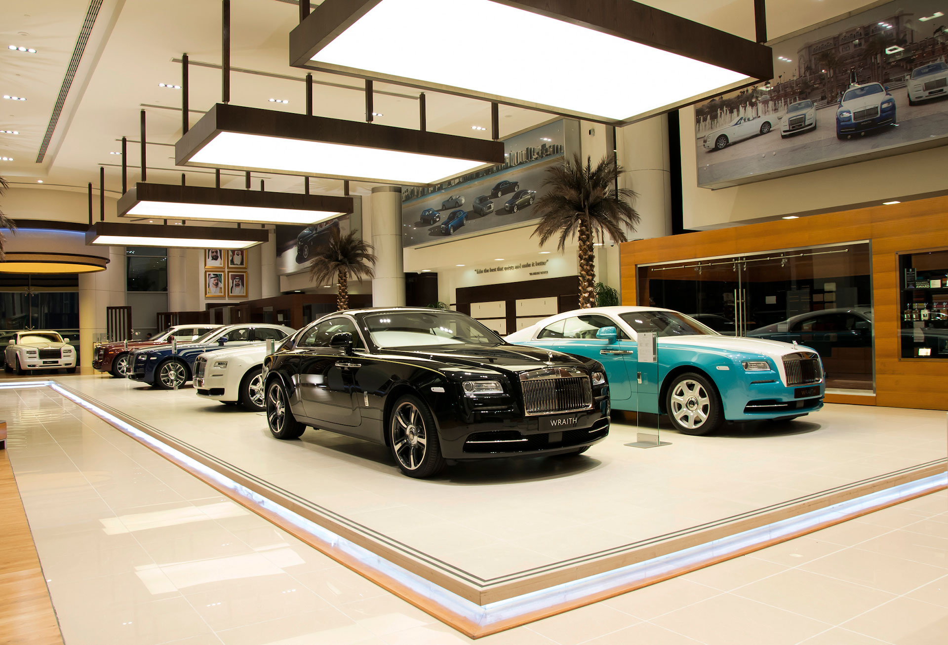Rolls Royce Dealers >> Rolls Royce Motor Cars Abu Dhabi Offers Unmatched Service Package