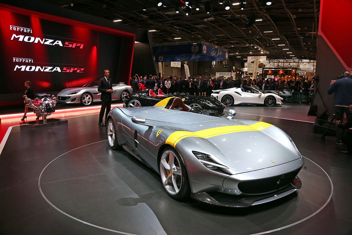 Ferrari Monza SP1 & SP2 at Paris Motor Show - Arab Motor World (2)