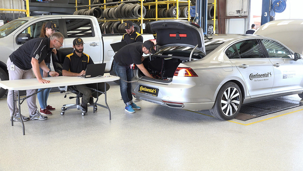 Continental-Commissions-First-Driverless-Tyre-Test-Vehicle2