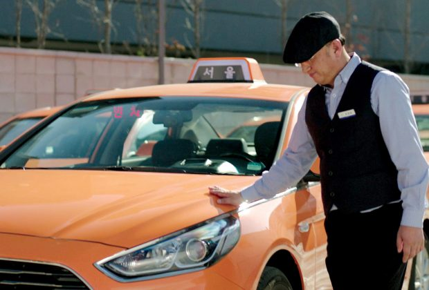 Hyundai-Motor-Group-Driving-Assist-Technology-for-the-Hearing-impaired_(Photo1)