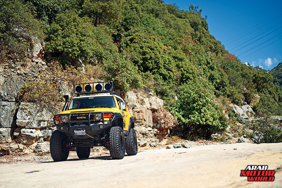 Toyota-FJ-Cruiser-the-Yellow-Crawler-Arab-Motor-World-01