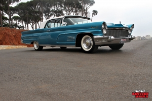1960 Lincoln Continental Mark V Convertible Classic Cars (11)