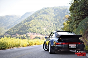 1987-PORSCHE-911-Turbo-(930)-Arab-Motor-World-03