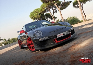 http://arabmotorworld.com/wp-content/uploads/2017/10/2011-PORSCHE-GT3-RS-Arab-Motor-World-01.jpg