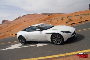 ASTON-MARTIN-DB11-2018-TEST-DRIVE-08