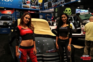 Babes on Cars Girls of SEMA (12)