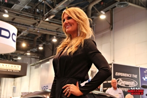 Babes on Cars Girls of SEMA (2)