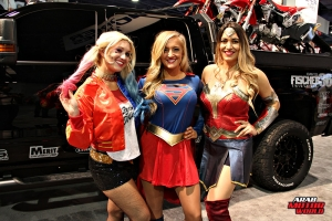 Babes on Cars Girls of SEMA (37)