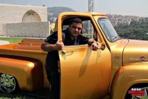 Ford F-100 Classic Muscle Car Truck (1)