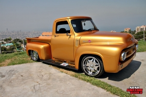 Ford F-100 Classic Muscle Car Truck (4)