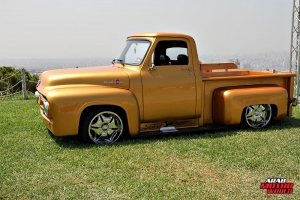 Ford F-100 Classic Muscle Car Truck (5)