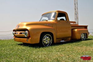 Ford F-100 Classic Muscle Car Truck (6)