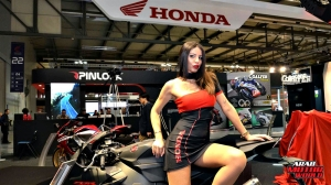 Girls Babes of EICMA 2018 (13)