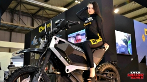 Girls Babes of EICMA 2018 (15)