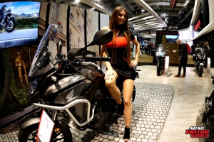 Girls Babes of EICMA 2018 (2)